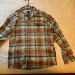 L Patagonia Fjord lightweight flannel button down